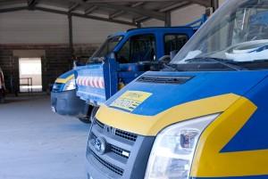 Plusieurs camions de la société SNV Plac Iso